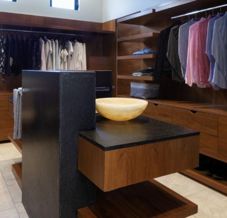 Daniel Cota Arquitectura | Despacho de arquitectos | Cancún BedroomWardrobes & closets