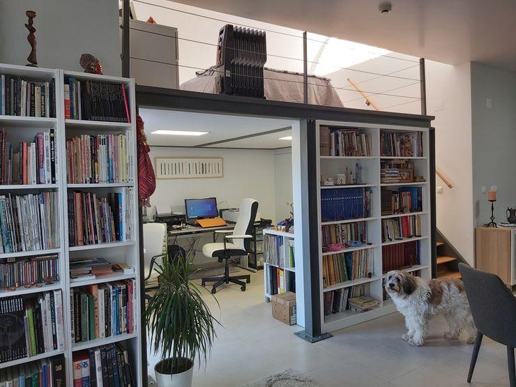 Projeto de Mezzanine _ Apartamento Particular Ana Maria Timóteo _ arquitecta Salas de estar modernas