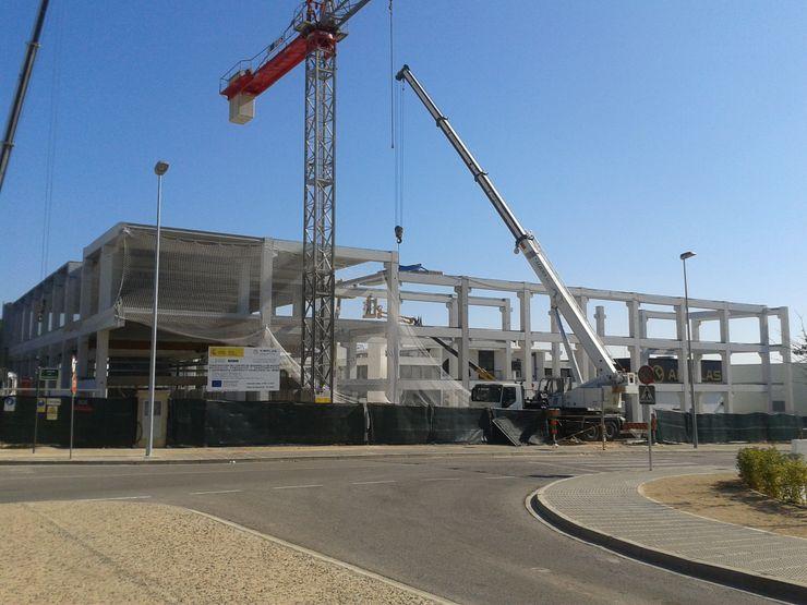 Estructura prefabricada de hormigón armado OCTANS AECO Casas de estilo industrial