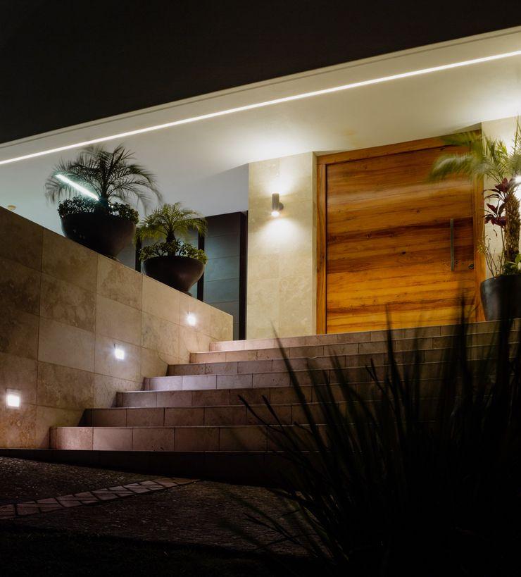 RAMINDRA – CLUB DE GOLF LA LOMA GRUPO VOLTA Casas unifamiliares Blanco