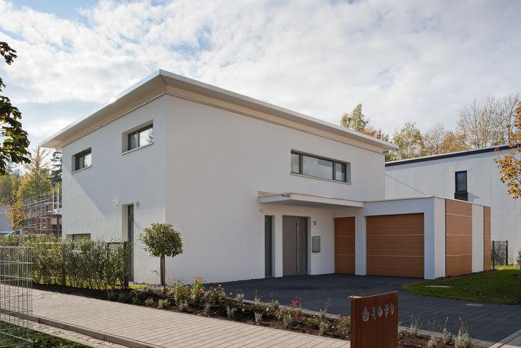 Einfamilienwohnhaus in Pforzheim Geiger Architektur Einfamilienhaus Stein Weiß