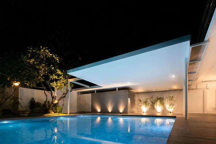 SGMN Architects Garden Pool