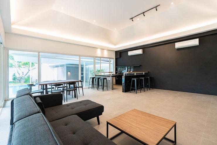 SGMN Architects Living room Concrete Black