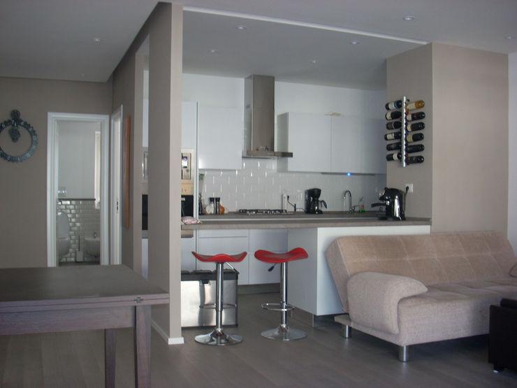 Ristrutturazione completa della cucina, presso un appartamento sito in Roma, zona Gianicolense Ma.Ni. Ristrutturazioni Cucina attrezzata