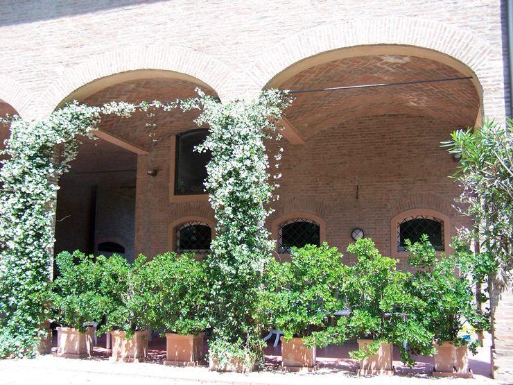 Il gelsomino Simona Muzzi Architetto Giardino in stile rustico Laterizio