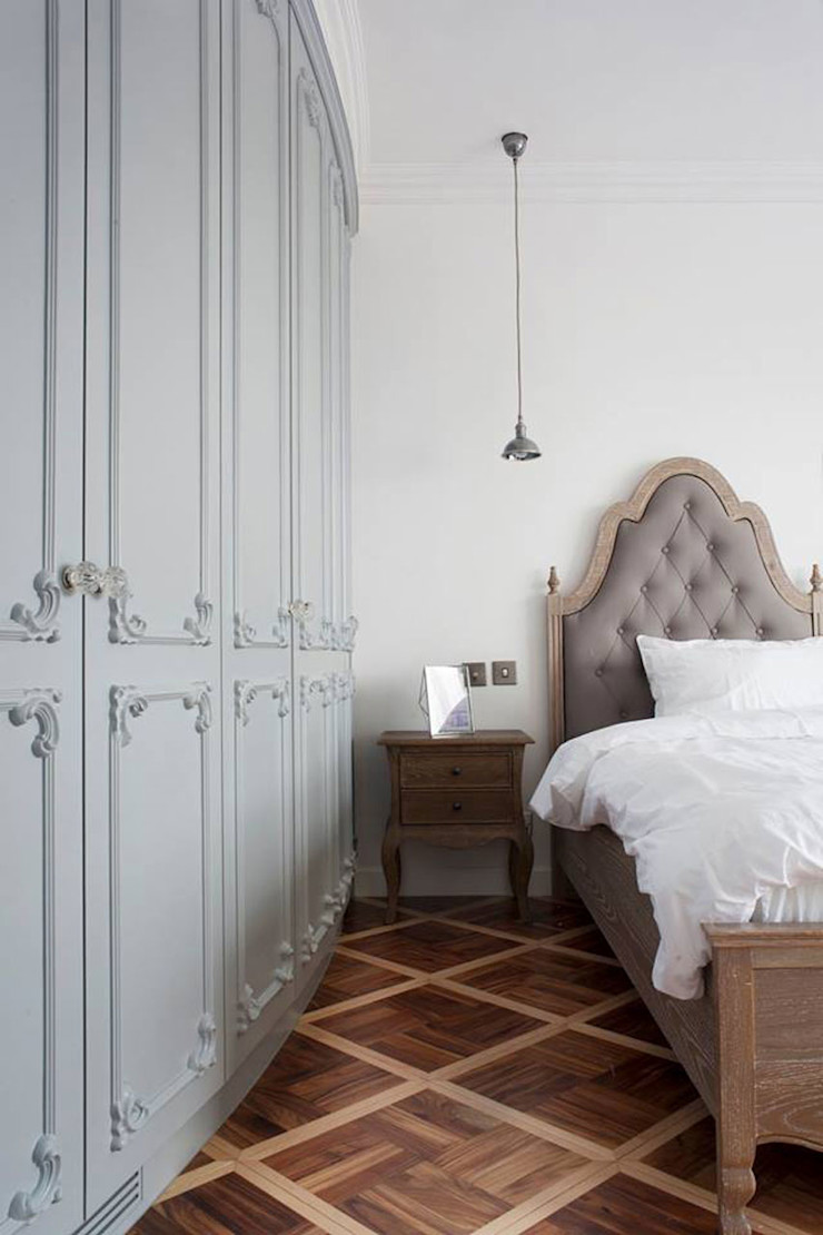 Sophisticated French interiors -A flair of pared back, refined yet effortless.... JC Vision Modern style bedroom Wood Grey