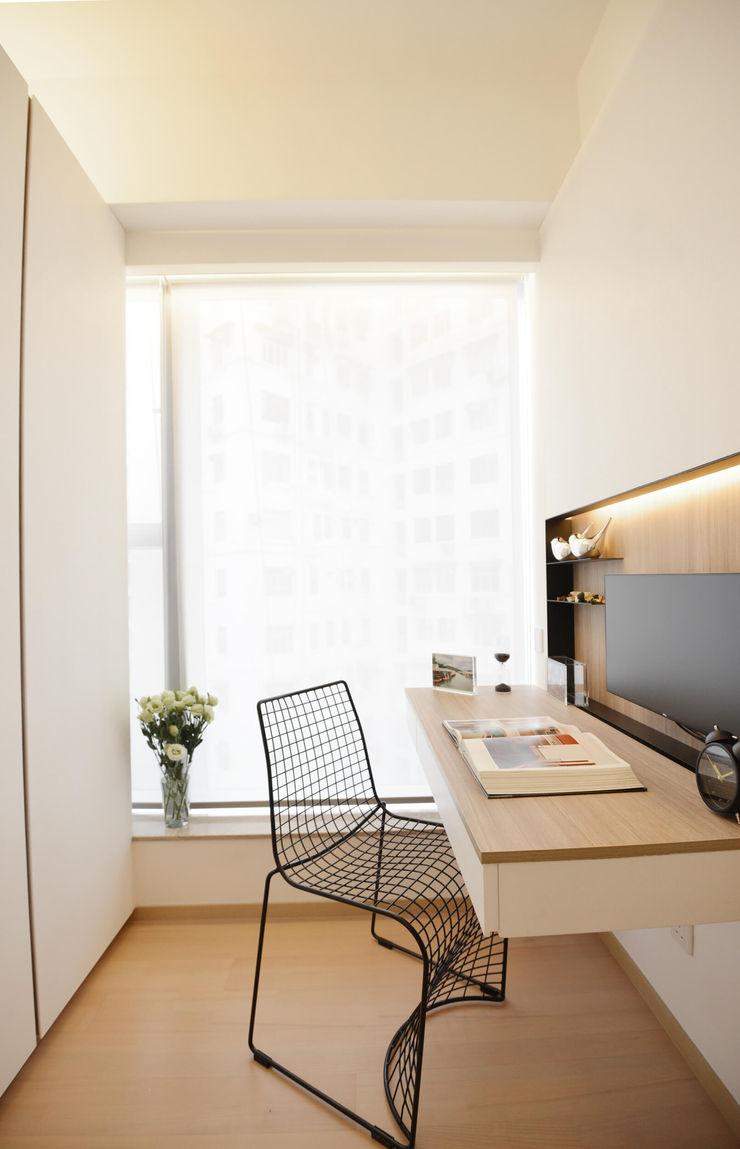 A Square Ltd Modern study/office Wood White