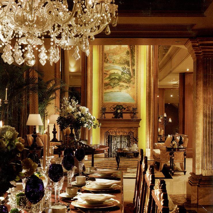 John Chan Design Ltd Вітальня Янтарний / Золотий