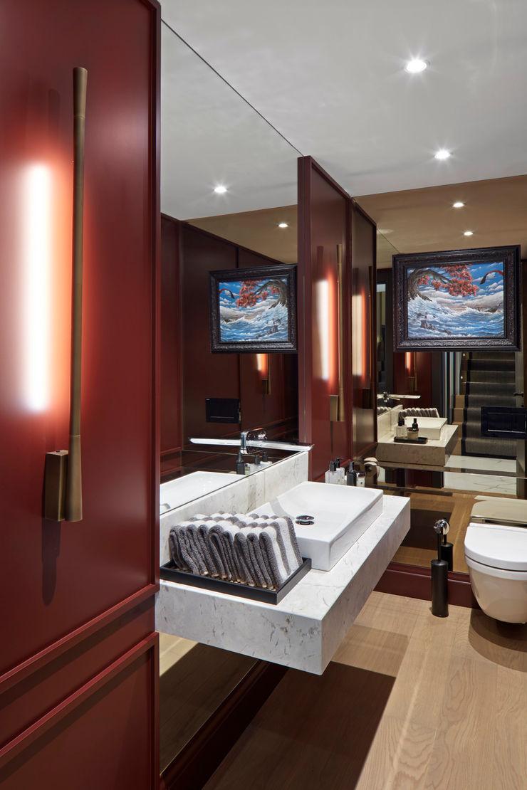 powder room Esra Kazmirci Mimarlik Modern bathroom Wood Red