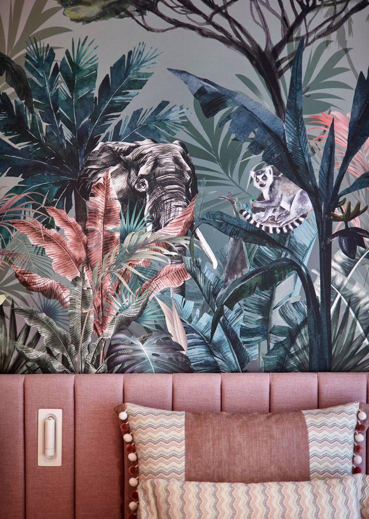 kids bedroom Esra Kazmirci Mimarlik Tropical style nursery/kid's room Wood Pink