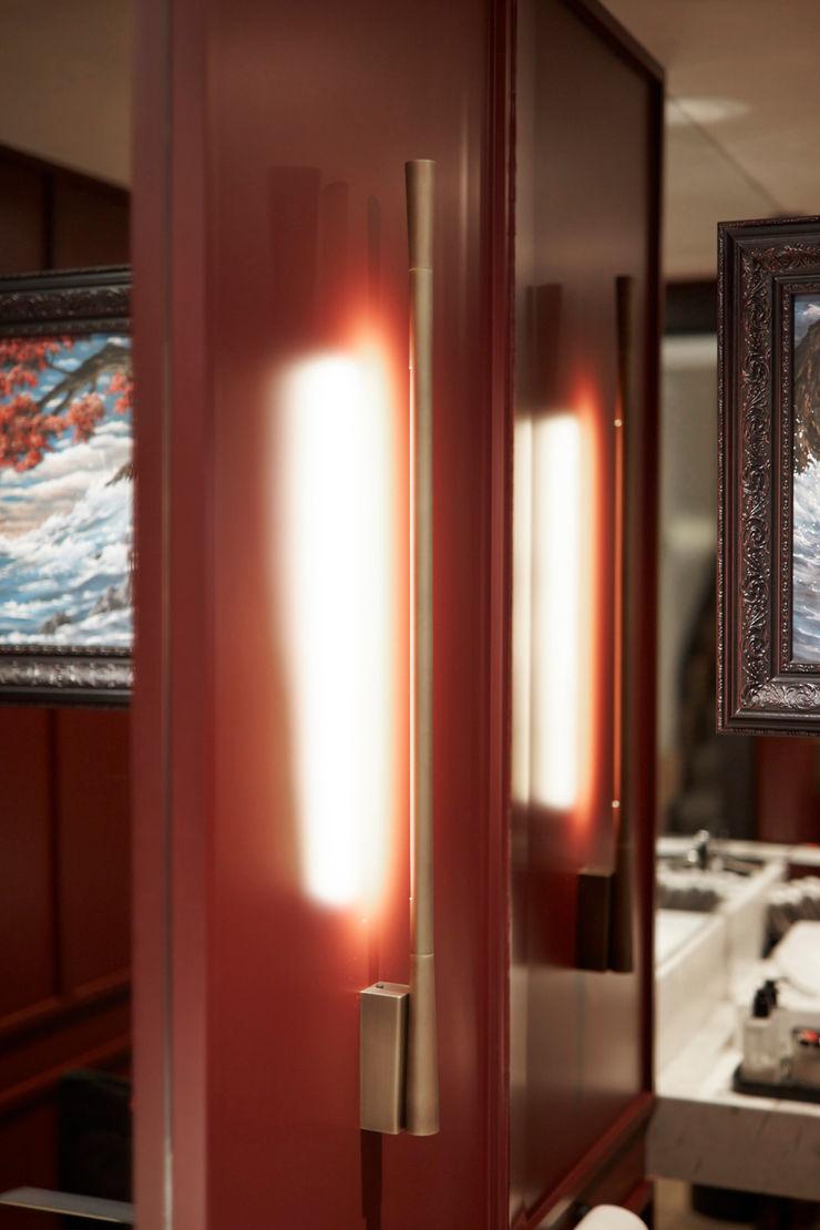 powder room Esra Kazmirci Mimarlik BathroomLighting Aluminium/Zinc Red
