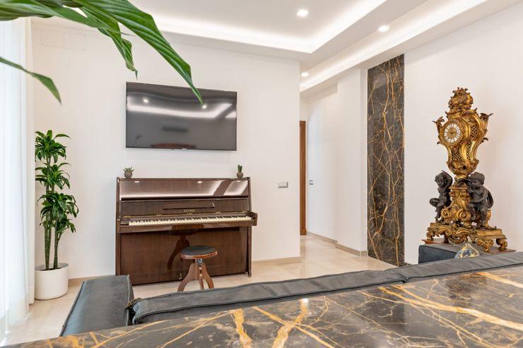 Salotto - vista Dr-Z Architects Soggiorno eclettico Marmo Bianco