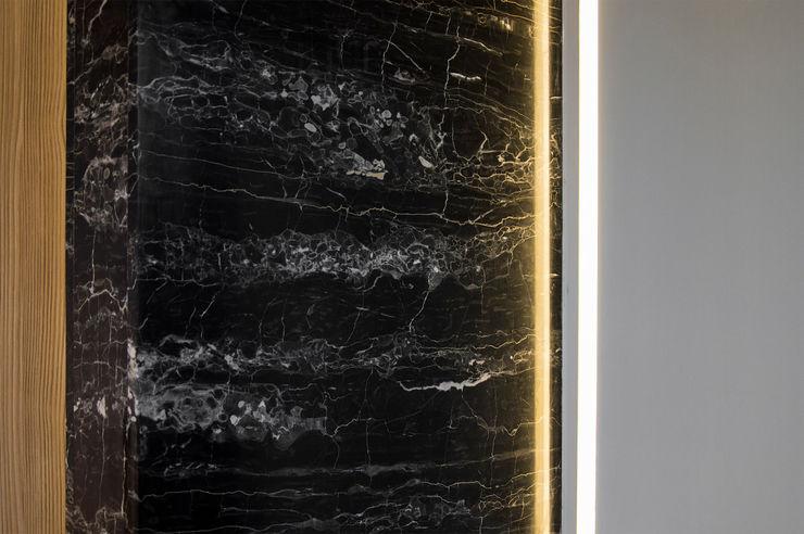 OPA Architetti Salones modernos Mármol Negro