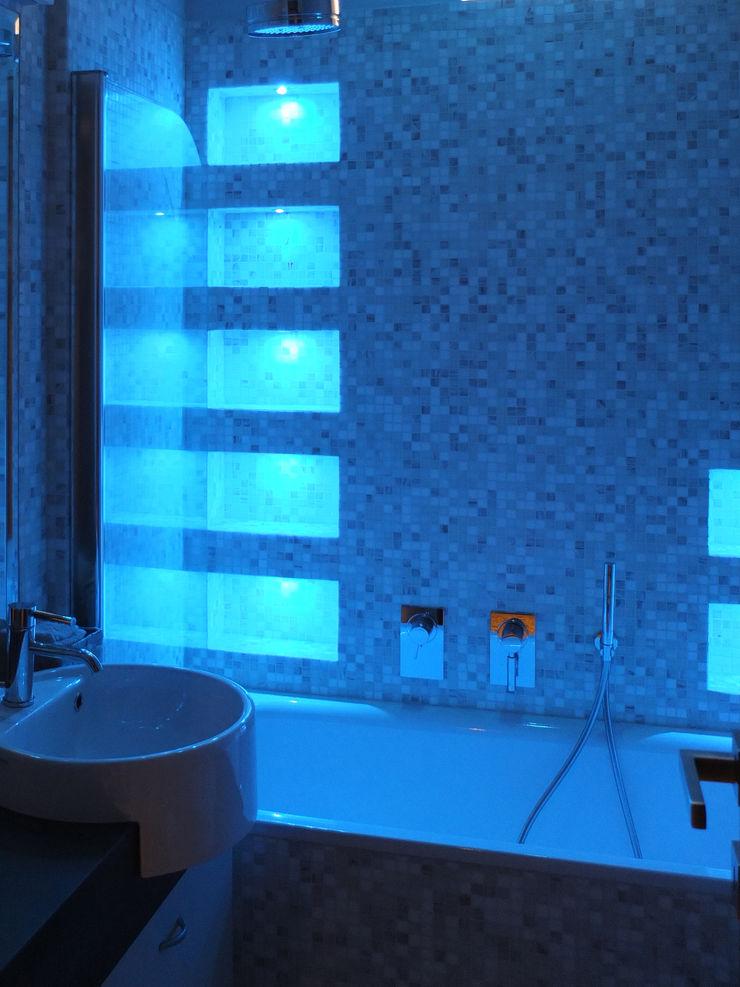 OPA Architetti Baños modernos Cerámico Azul