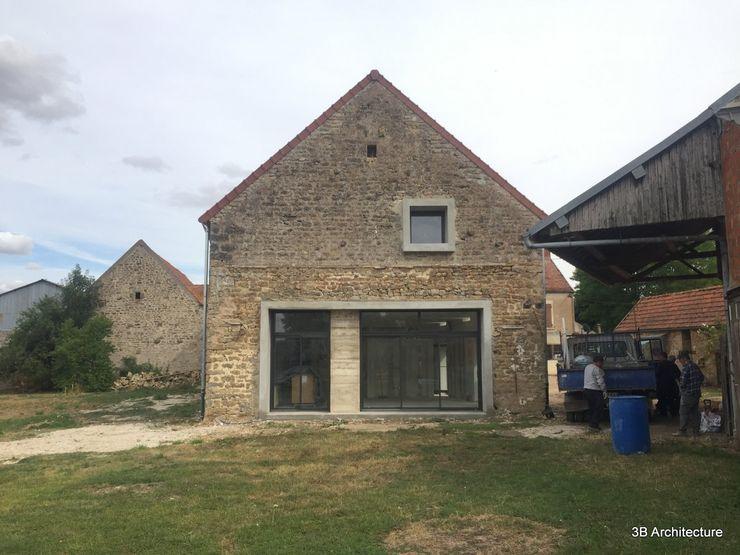 Le pignon de la grange révèle l'espace ouvert 3B Architecture Maison individuelle