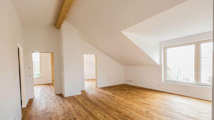 Aufstockung des Bestands erzeugt außergewöhnlich Wohnraum für Kinder. Moser Architektur Moderne Kinderzimmer