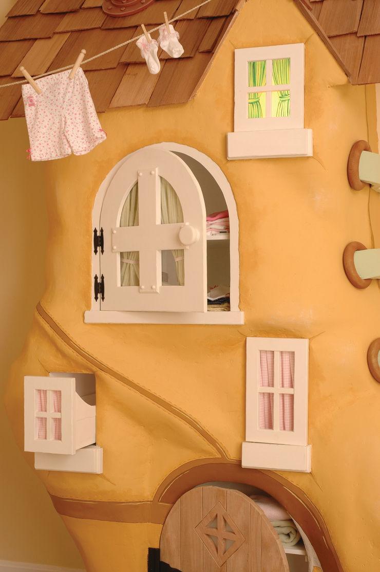 Adaptiv DC BedroomWardrobes & closets Kayu Beige