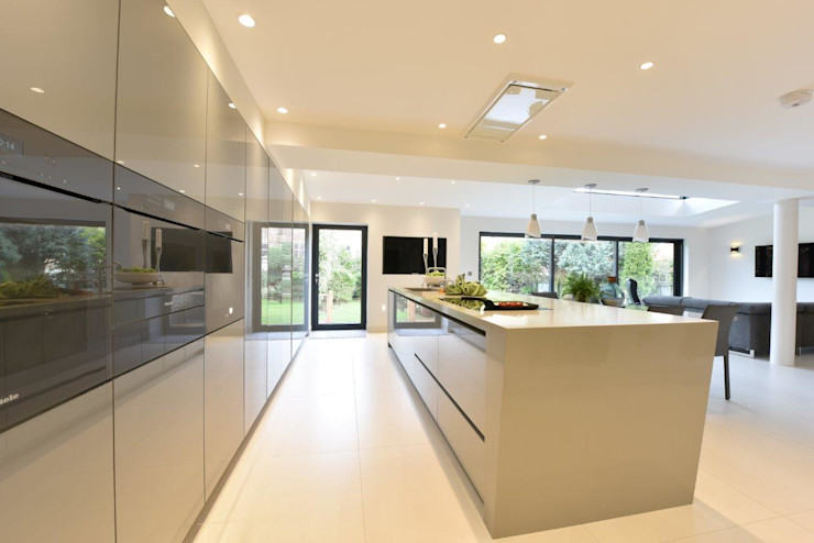 Mr and Mrs Farber Diane Berry Kitchens Built-in kitchens Stone Grey