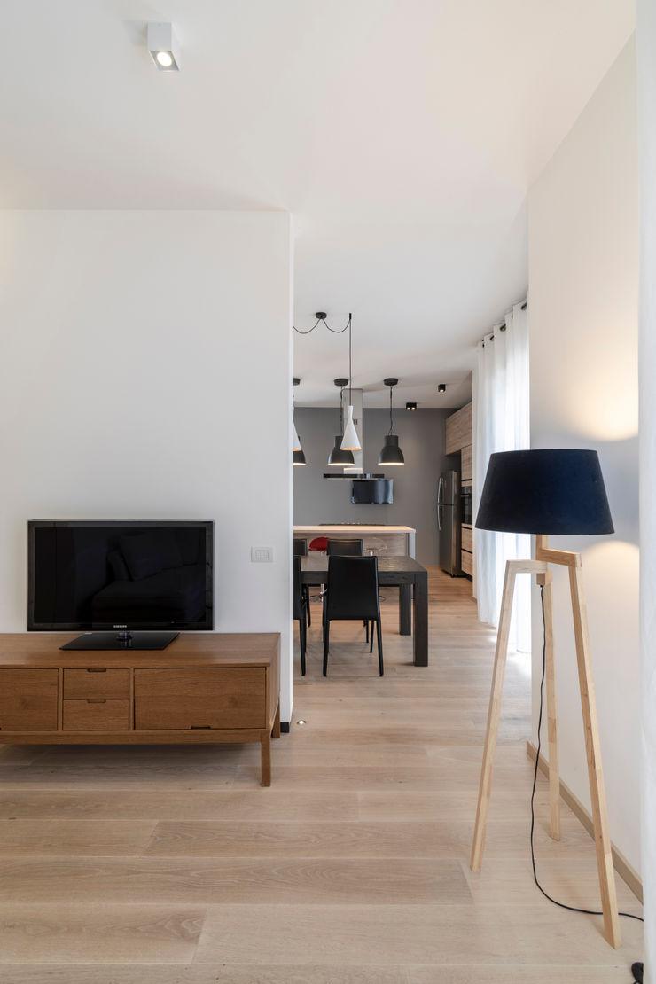 Casa <q>IP</q> interni prospettici MAMESTUDIO Soggiorno moderno