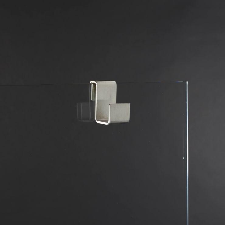 A02_Appendi accappatoio in acciaio inox per box doccia con aggancio su cristallo AISI Design srl Bagno minimalista Ferro / Acciaio Grigio