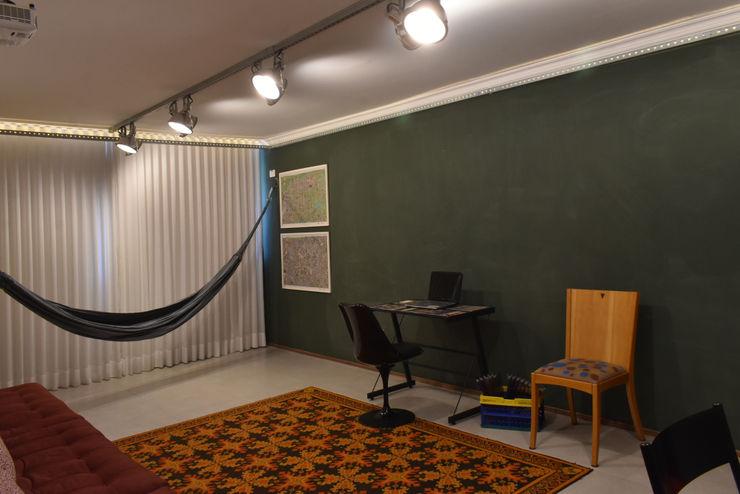 Portal do Envelhecimento - Sala de Cursos Enzo Sobocinski Arquitetura & Interiores Escritórios ecléticos Ferro/Aço Multi colorido