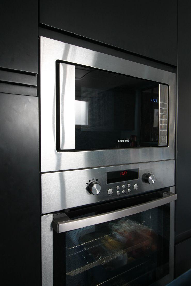 MAISON A SCHILTIGHEIM Agence ADI-HOME Éléments de cuisine Panneau d'aggloméré Noir
