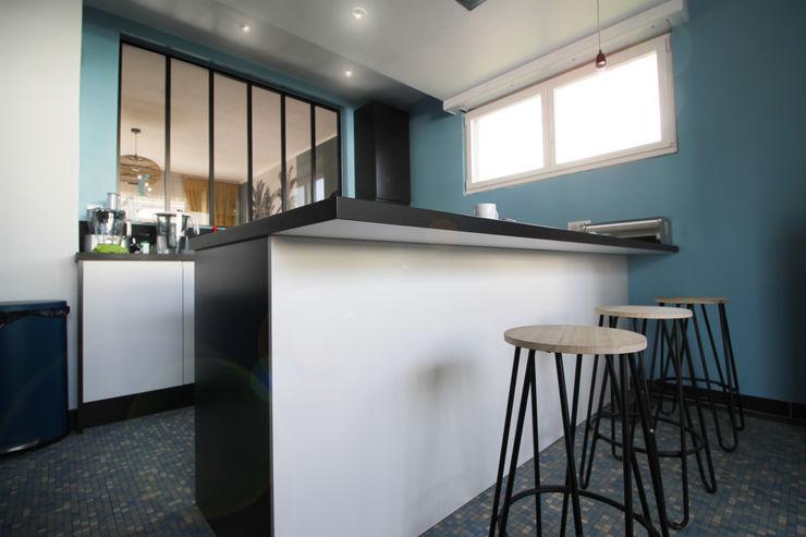 MAISON A SCHILTIGHEIM Agence ADI-HOME Cuisine intégrée Panneau d'aggloméré Blanc