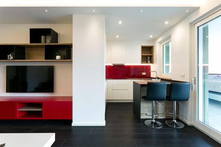 Lemayr Thomas Living roomStorage