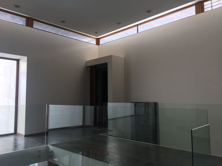 Wandersleben Chiang Soc. de Arquitectos Ltda. الممر الأبيض، الرواق، أيضا، درج