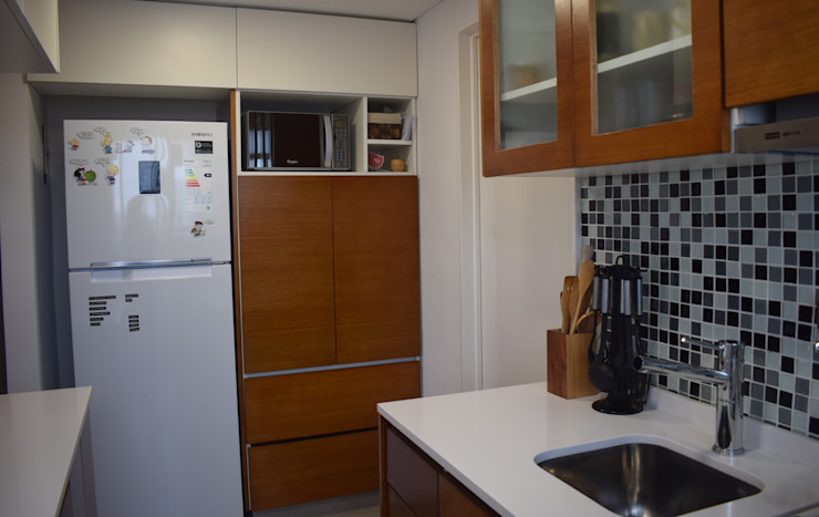 Departamento Lamarca - Cocina 02 D4-Arquitectos Cocinas pequeñas Madera Blanco
