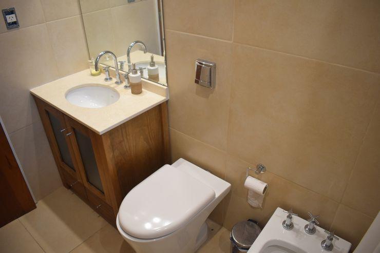 Departamento Lamarca - Baño 02 D4-Arquitectos Baños de estilo moderno Cerámico Beige
