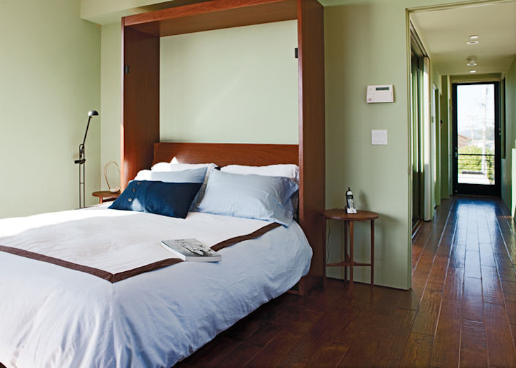 Casa singola fatta con containers navali. Green Living Ltd Camera da letto moderna