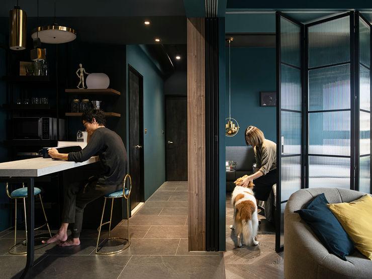在家躺好 ft.老婆視角 漢玥室內設計 現代風玄關、走廊與階梯 Wood effect