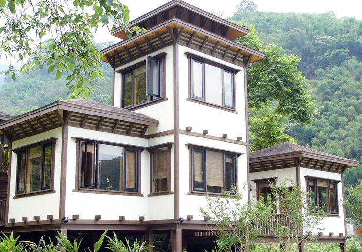 茅花一兩餐廳 居林木構建築|木屋設計|木屋建造|木屋保養|整體規劃設計營建|歡迎email聯繫 餐廳 木頭 White