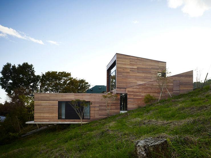 Casa singola fatta con containers navali. Green Living Ltd Casa prefabbricata