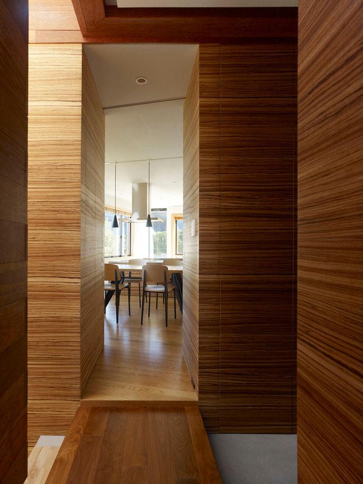 Casa fatta con containers navali Green Living Ltd Sala da pranzo moderna