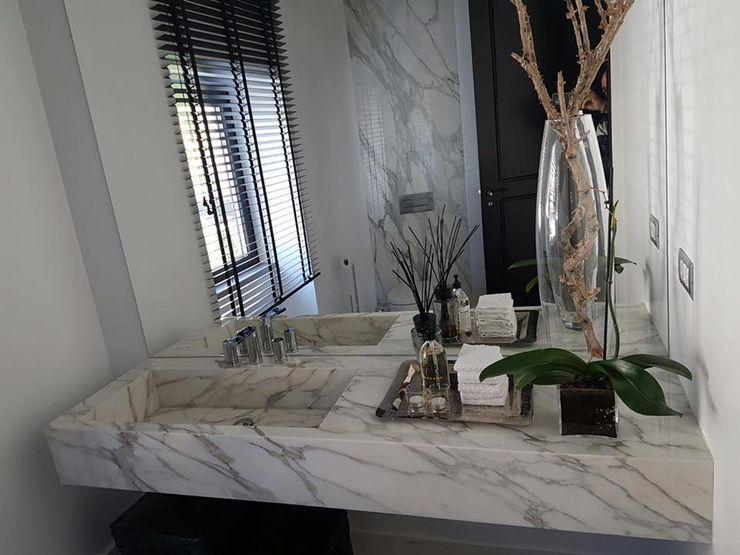 Plurirochas Lda. Eclectic style bathroom Stone White