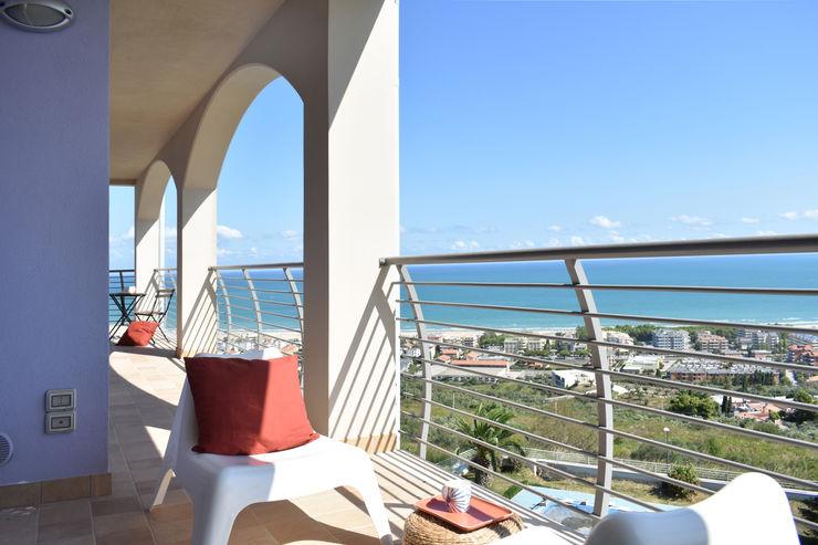 Home Staging appartamento vista mare Sonia Santirocco architetto e home stager Balcone