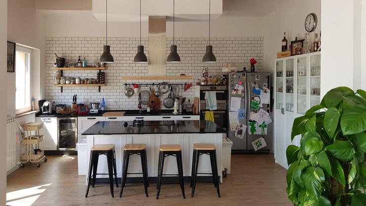 Casolare toscano Studio Novelli Poggesi Cucina attrezzata Legno Bianco