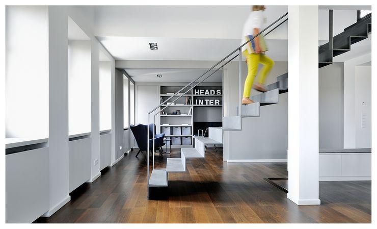 Heerwagen Design Consulting Corridor, hallway & stairsStairs
