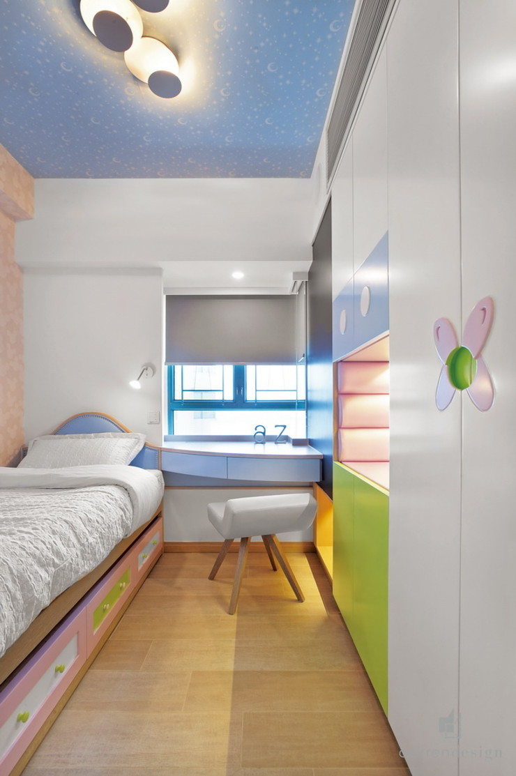 Small Bed Room Darren Design & Associates 戴倫設計 Small bedroom Wood White