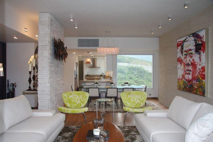 Living and Dining Room Darren Design & Associates 戴倫設計 Modern living room Wood White