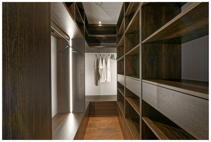 Heerwagen Design Consulting Modern Dressing Room