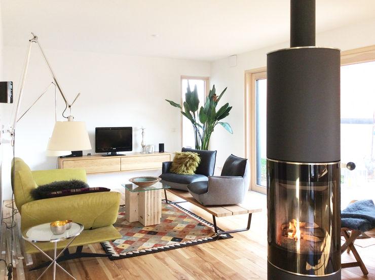 Butterfly Home Staging   Interior Design Soggiorno in stile scandinavo Legno Verde