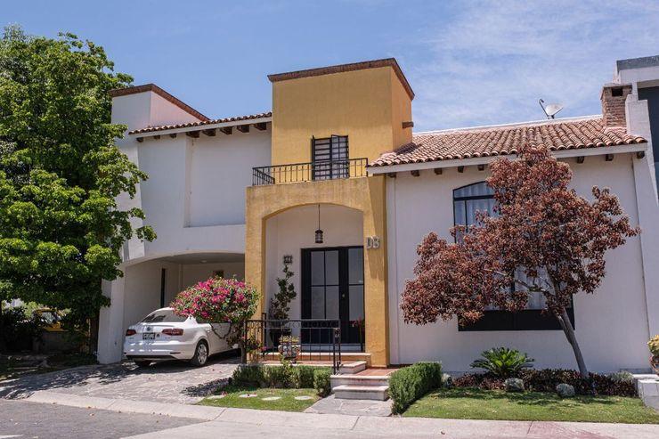 Inmobiliaria Punto 30 Colonial style house