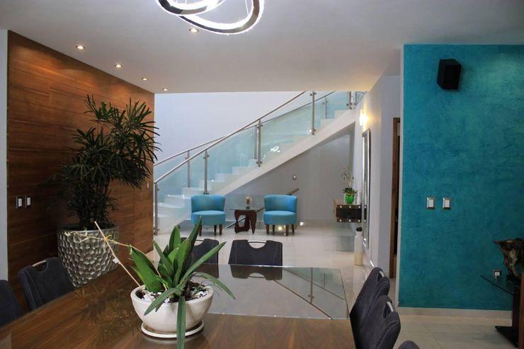 Inmobiliaria Punto 30 Modern Corridor, Hallway and Staircase