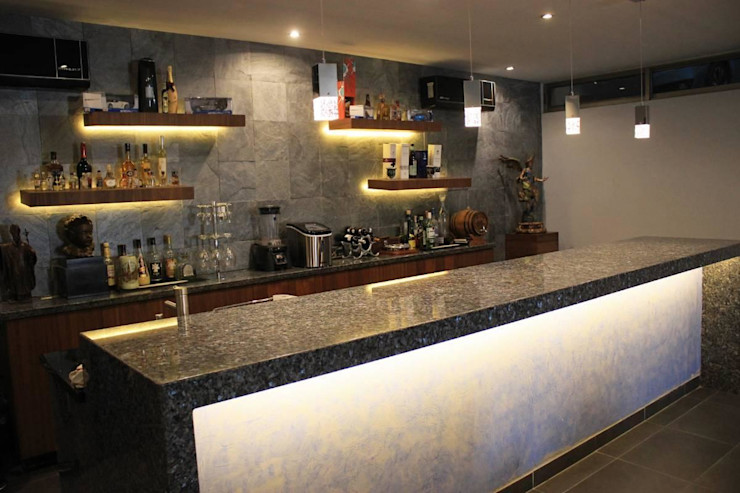 Inmobiliaria Punto 30 Modern Home Wine Cellar