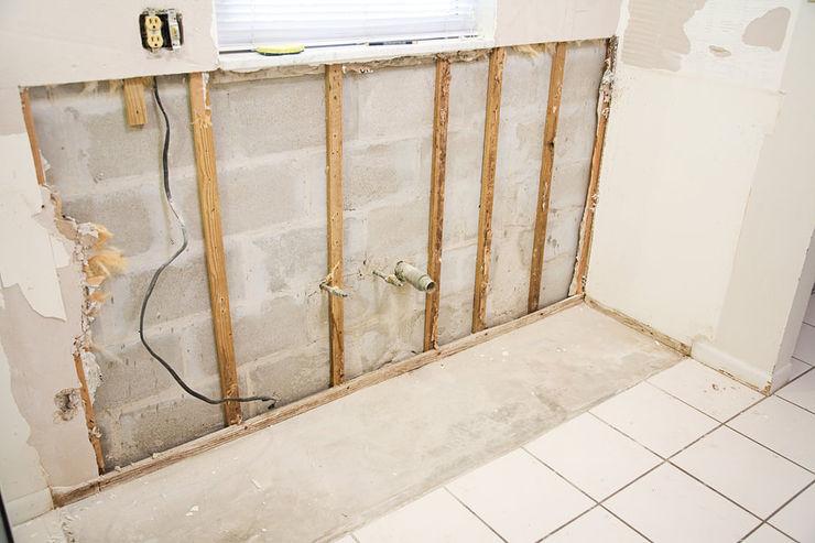 Berta Drywall Pros Industrial style living room