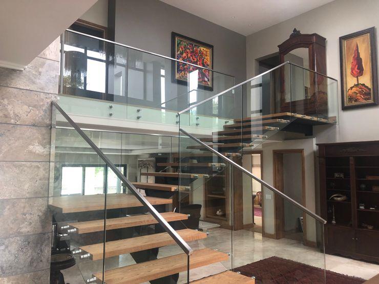 SimpliMation Pty Ltd Modern corridor, hallway & stairs