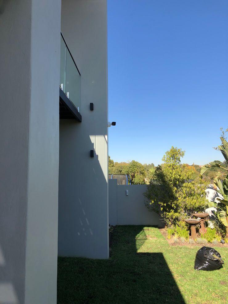 SimpliMation Pty Ltd Modern style gardens